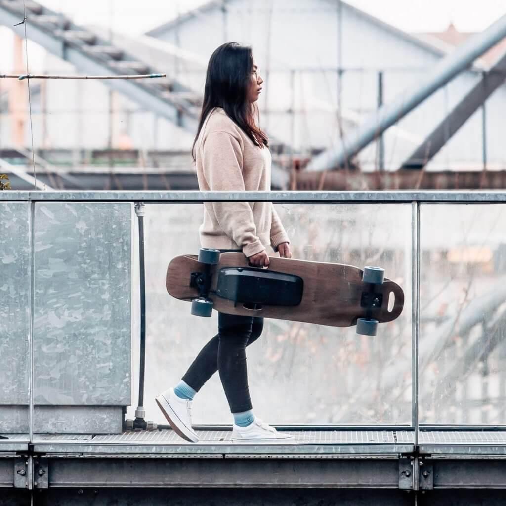 skate électrique pas cher poids